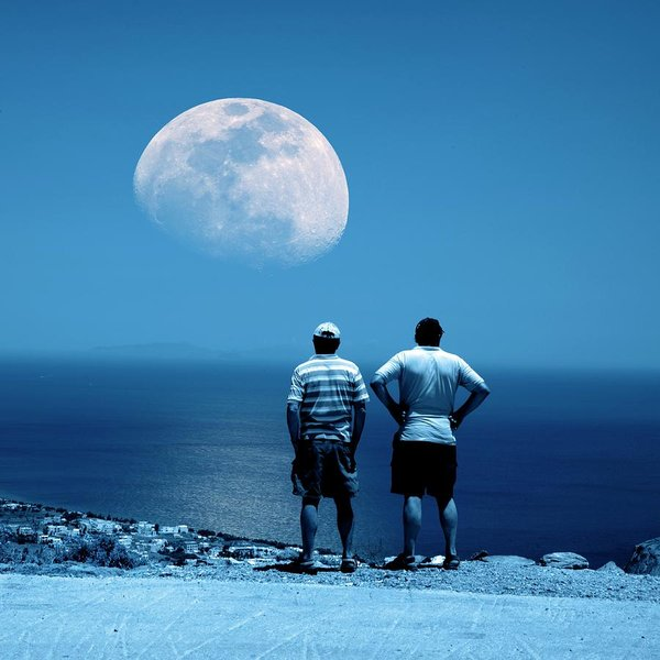 Seniors watching the moon